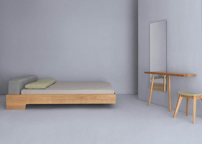 Carla_and_carlo_Dressing_Table_by_Florian_Schmid_dezeen_784_5