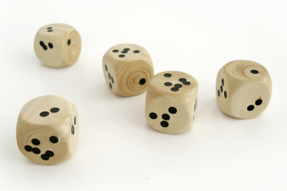 shaken-dice-set