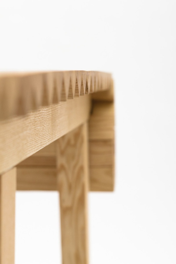 3043237-slide-s-4-a-simple-table-that-grows-or-shrinks-with-your-needs